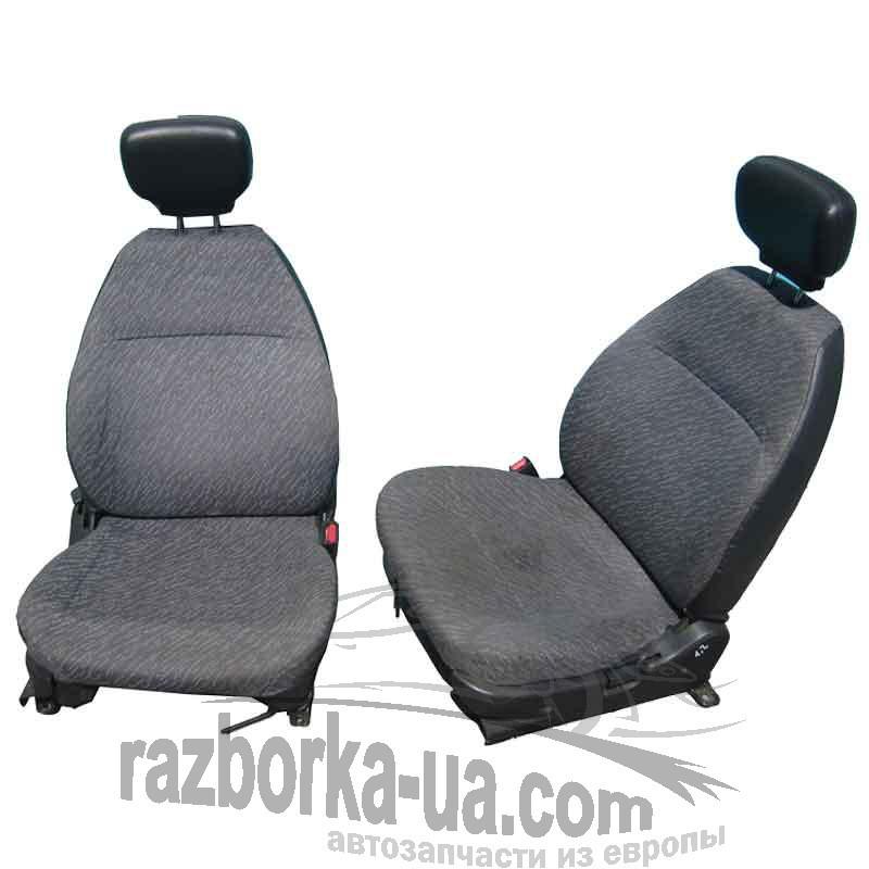Автомобильные сидения передние Suzuki Swift (1995-2002)
