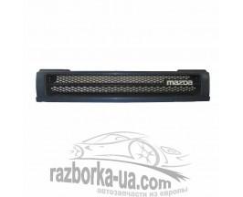 Решетка радиатора Mazda 323 (1989-1991) фото