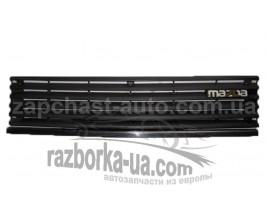 Решетка радиатора Mazda 323 (1982-1985) фото