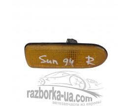 Повторитель указателя поворота в крыло Nissan Sunny (1992-1994) фото