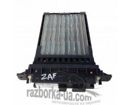 Радиатор печки  Opel Zafira В (2004-2011) GM13204090 / Behr H3510268