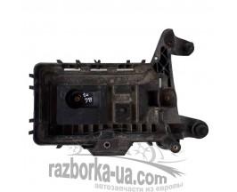 Подставка аккумулятора VW Passat B6 (2005-2010) 1K0915333C фото